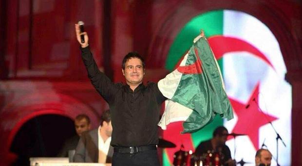 عاصي الحلاني إحتفل مع أهل الجزائر بإنتصارهم وهذا ما ذكّره بوالده