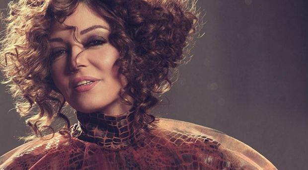 """خاص وحصري: سميرة سعيد لم تسجّل أغنية بعنوان """"أنا طيّبة جداً"""" وتطلق أغنية منفردة غير مصرية خلال أيام"""