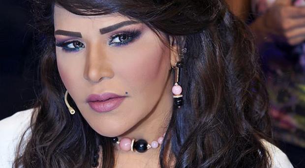 أحلام تردّ: أنا بنت علي بن الشيخ هزيم الشامسي ولهم دعوه ملكيه لينالوا شرف تقليم اضافر قدمي
