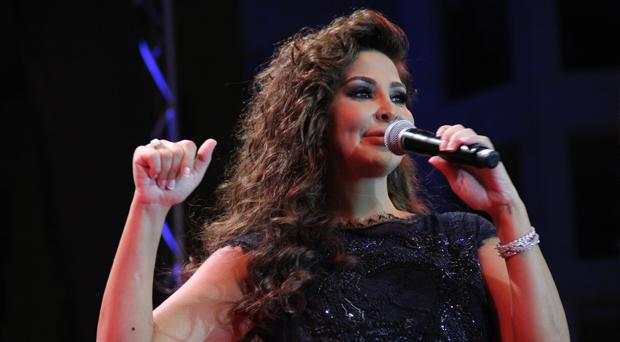 إليسا عروس بيروت في حفل أسطوري رقصت فيه عاصمة الحياة والأمل وحضره جمهور غفير من كافة المناطق اللبنانية والدّول العربية