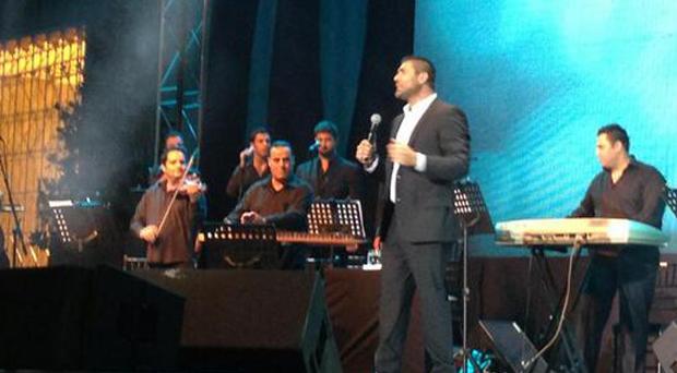 بالصور: وائل كفوري جمع كل اللبنانيين وأبدع حضوراً وأداءً في أعياد بيروت
