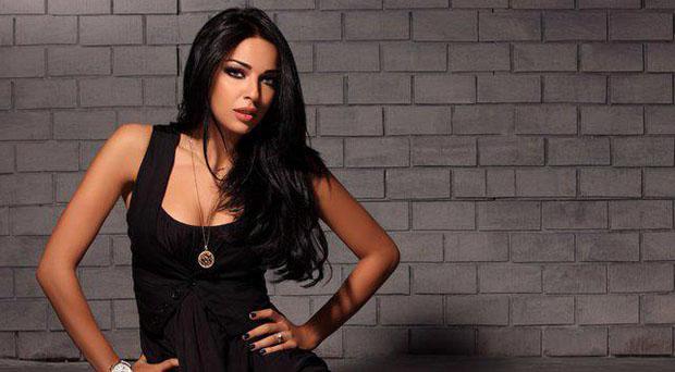 نادين نسيب نجيم خرجت عن صمتها وهذا ما قالته للحاقدين والكارهين