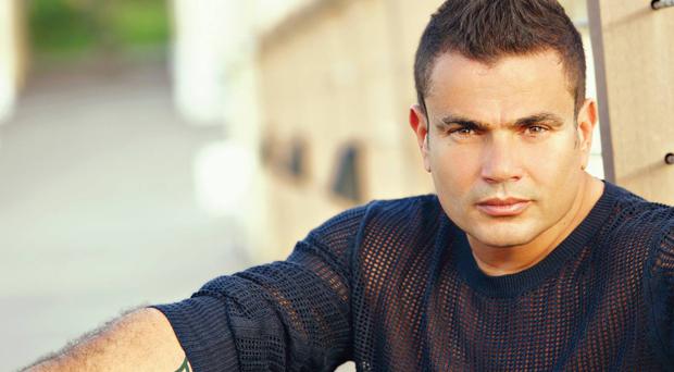 الجهات الأمنية سمحت بإقامة حفل عمرو دياب وروتانا ميّزته في ألبومه الأخير