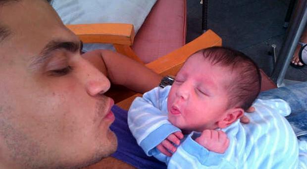 """الصورة الأولى لطفل هيثم سعيد """"يوسف"""" الذي ولد منذ أيام"""