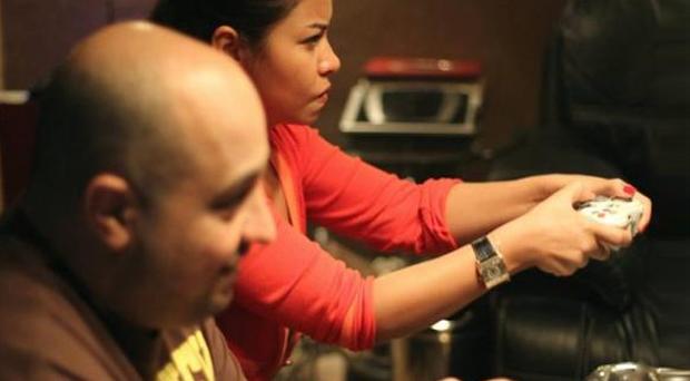 بالصور: شيرين عبد الوهاب في الأستوديو من أجل أغنيات الألبوم والـXBox