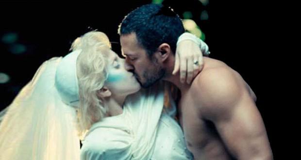 Lady Gaga مغرمة بعارض أزياء فيديو كليب أغنيتها