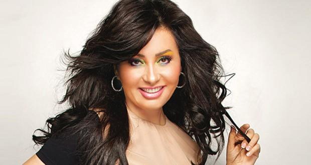 """لطيفة إختارت """"حديث البلد"""" للإحتفال بألبومها الجديد مع منى أبو حمزة"""