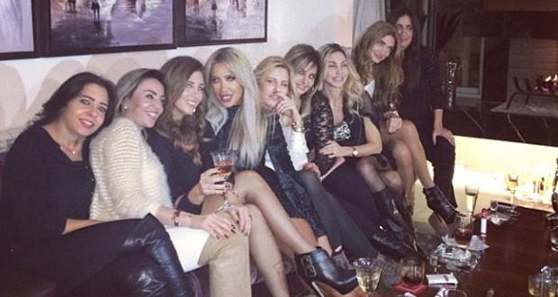 بالصورة: مايا دياب وجلسة نسائية مع صديقاتها