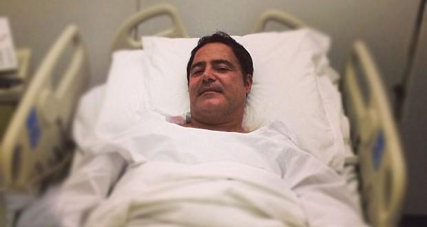 بالصورة: عاصيّ الحلاني في المستشفى، خضع لعمليّة جرحية ومكتبه يوضّح