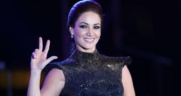 بالصور: ديانا حداد تشعل جنبات مسرح ليالي مهرجان دبي للتسوق وحضور فاق الأربعة آلاف شخص
