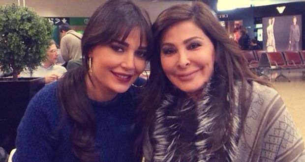 بالصورة: إليسا وسيرين عبد النور معاً في المطار