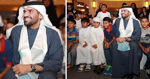 بالصورة: حسين الجسمي يدعم تعليم أطفال سوريا اللاجئين في الإمارات