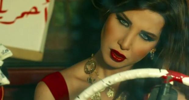"""بالفيديو: نانسي عجرم تشعل التشويق في إعلان كليب """"ما تيجي هنا"""" الثاني"""