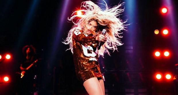 بالصور: Beyonce تتألّق بفستان قصير في حفلها بـ Amsterdam