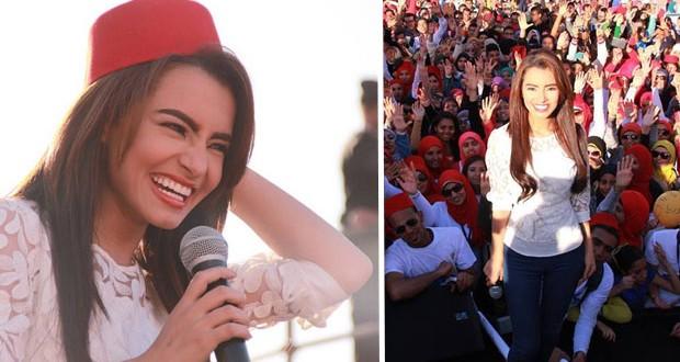 بالصور: كارمن سليمان أحيت حفل جماهيري حاشد في إحتفالية تنشيط السياحة