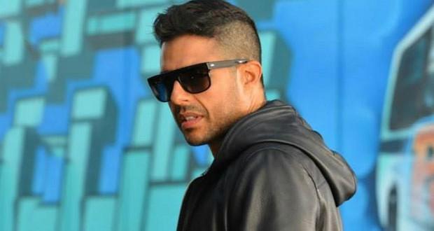 """بالفيديو: محمد حماقي يتخطى المليون مشاهد على كليب """"نفسي أبقى جنبه"""""""