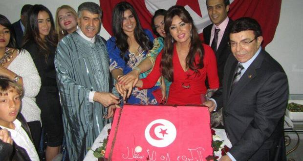 بالصورة: لطيفة إحتفلت بذكرى إستقلال تونس الـ 58 في القاهرة بحضور سفير البلاد والجالية التونسية