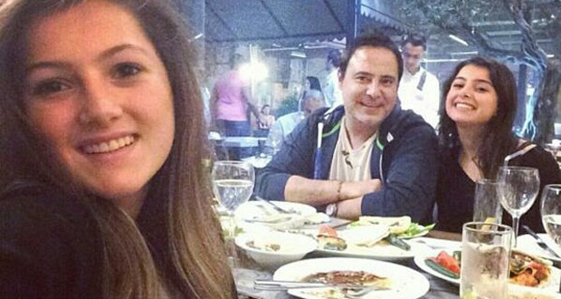 بالصور: بعد غياب، عاصي الحلاني تناول العشاء مع إبنتيه ماريتا ودانا ويفتخر بعروبته