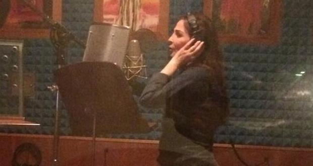 بالصورة: إليسا في الإستوديو وبدأت تسجيل أغنيات الألبوم المنتظر