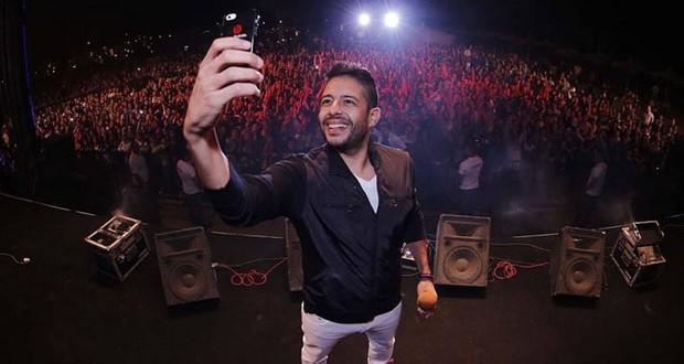 بالصور: محمد حماقي أحيا أعياد الربيع وصورة Selfie مع جمهوره