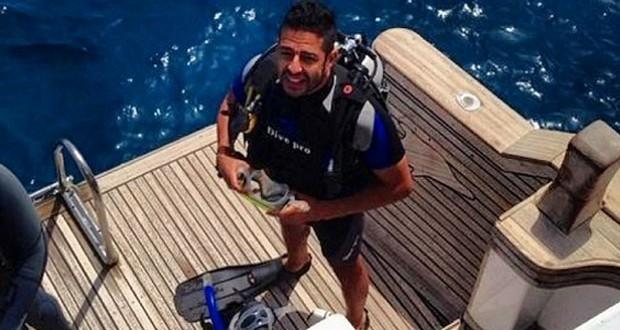 بالصور: محمد حماقي يغطس في عمق البحر الأحمر