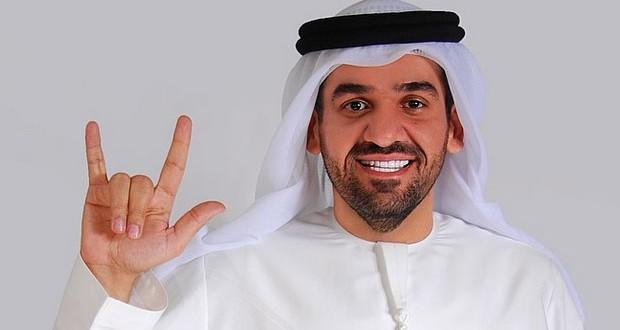 """حسين الجسمي يدعم حملة """"إسمع إشارتي"""" ويعبّر عن محبّته لجمهوره بالإشارة"""