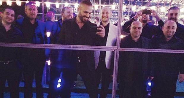بالصورة: جوزيف عطيّة مع فرقته الموسيقية، أحيا حفلاً ناجحاً وإلى أبو ظبي