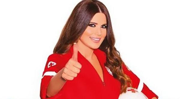 """بالصورة: منى أبو حمزة تدعم الصليب الأحمر اللبناني و""""هالمرّة نحنا عايزينكن"""""""