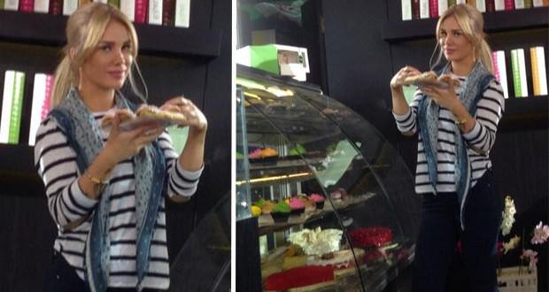 """بالصورة: نيكول سابا بائعة حلوى في """"فرق توقيت"""""""