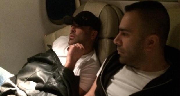 وائل كفوري عاد إلى بيروت وصورة له على متن الطائرة