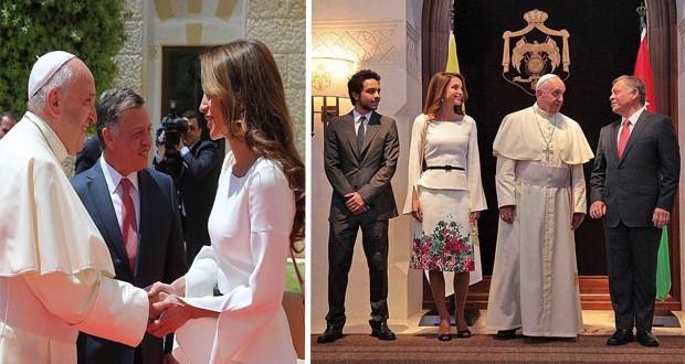 بالصور: الملكة رانيا العبدالله سعيدة بزيارة قداسة البابا فرانسيس الأول إلى الأردن