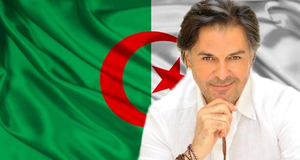 """بالصورة: راغب علامة يدعم الجزائر ويقول """"الكرة بتتكلم عربي"""""""