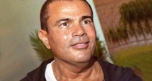 عمرو دياب يحرج أحد معجبيه أمام الجمهور وشاعر شهير يهاجمه