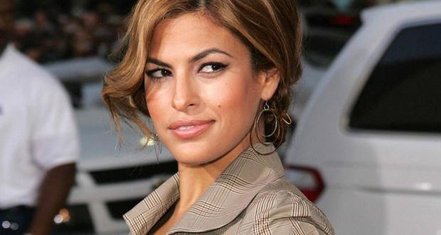 نار الغيرة تشتعل بين إيفا ميندز وزوجها بسبب هذه الممثلة