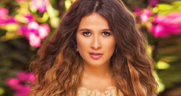 القصة الكاملة لما حدث مع ياسمين عبد العزيز