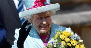 """احتفال عائلي بيوم ميلاد الملكة """"إليزابيث الثانية"""" الـ93 – بالصور"""