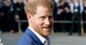 """هل سيحصل الأمير هاري على لقب """"الأصلع الأكثر جاذبية""""؟"""