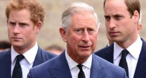 الأمير وليام وتشارلز يتحدثان إلى هاري لأول مرة منذ لقاء أوبرا.. فماذا قالا؟
