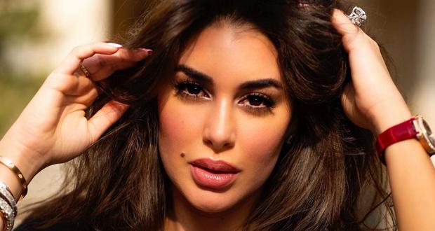 ياسمين صبري تكشف حقيقة حسابها على الفيس بوك