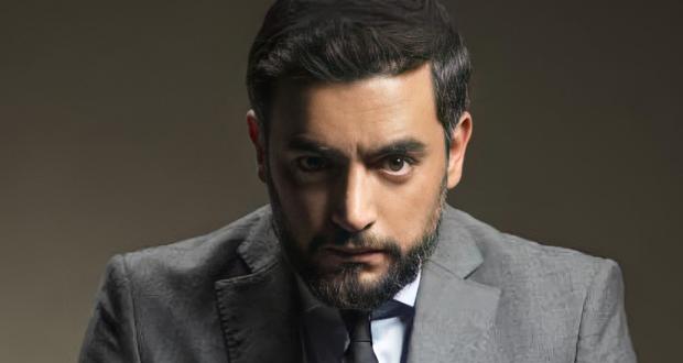 هاني سلامة يشارك جمهوره اختيار عمله المقبل.. بالسينما أم بالتلفزيون؟