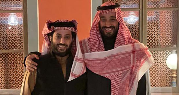 معالي المستشار تركي آل الشيخ يحصل على وسام جلالة الملك عبد العزيز