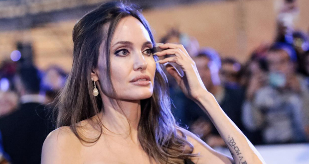 بعد ظهورها معه.. هل عادت انجلينا جولي لزوجها السابق جوني لي ميلير؟
