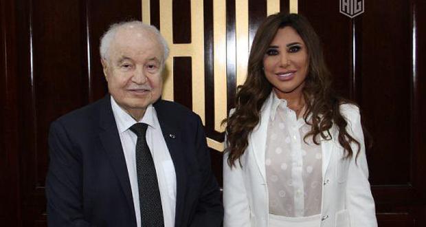 """نجوى كرم تلتقي طلال أبو غزالة: """"دماغ عبقري"""""""