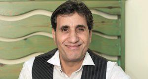 """أحمد شيبة: """"أهلي كانوا فاكرني هطلع أخرس.. واشتغلت بياع كنافة"""""""